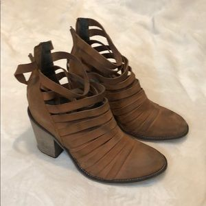 Free People bootie! Sz 39! Worn once!